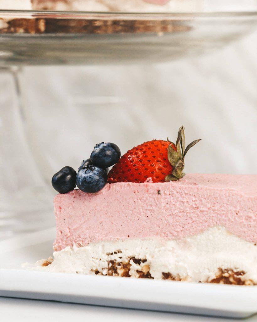 Pink Pitaya Cheesecake