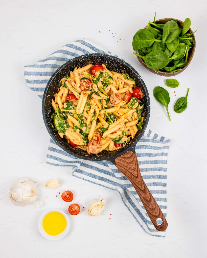 15 Minute Spicy Hummus Pasta   Dishing Up Plants